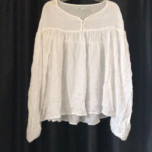 Kimichi Blue white flowy blouse